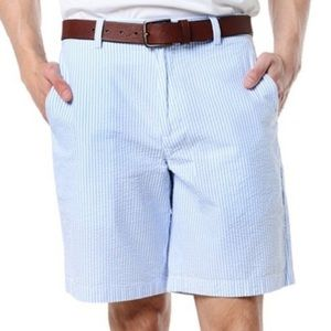 Vineyard vines seer sucker shorts